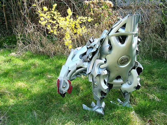 hubcaps-recycling-art-upcycling-ptolemy-elrington-11