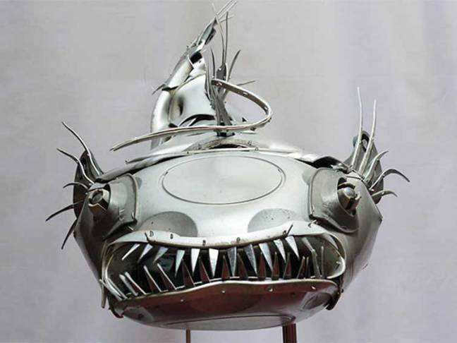 hubcaps-recycling-art-upcycling-ptolemy-elrington-18